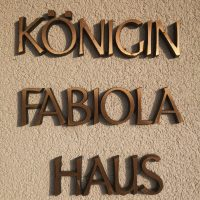 Königin Fabiola Haus logo anbieter
